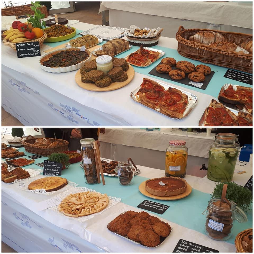 Deux photos du buffet de plats préparés par les naturopathes de l'association
