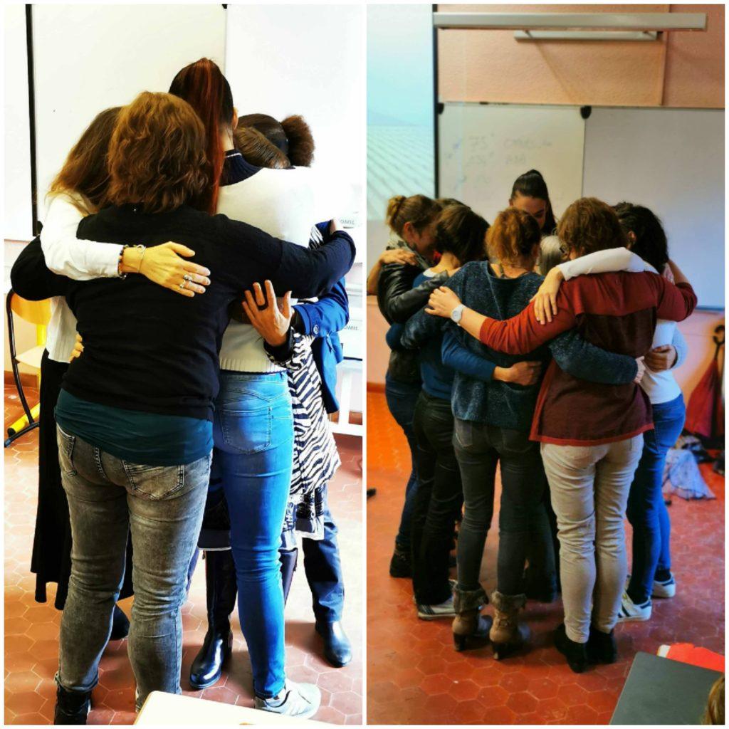 "Deux photos de ""hug"" de 6-8 personnes de ma formation."