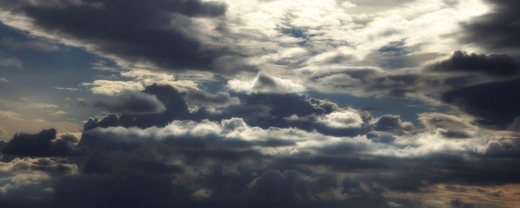 Avant la monodiète le corps se charge, comme le ciel avant l'orage