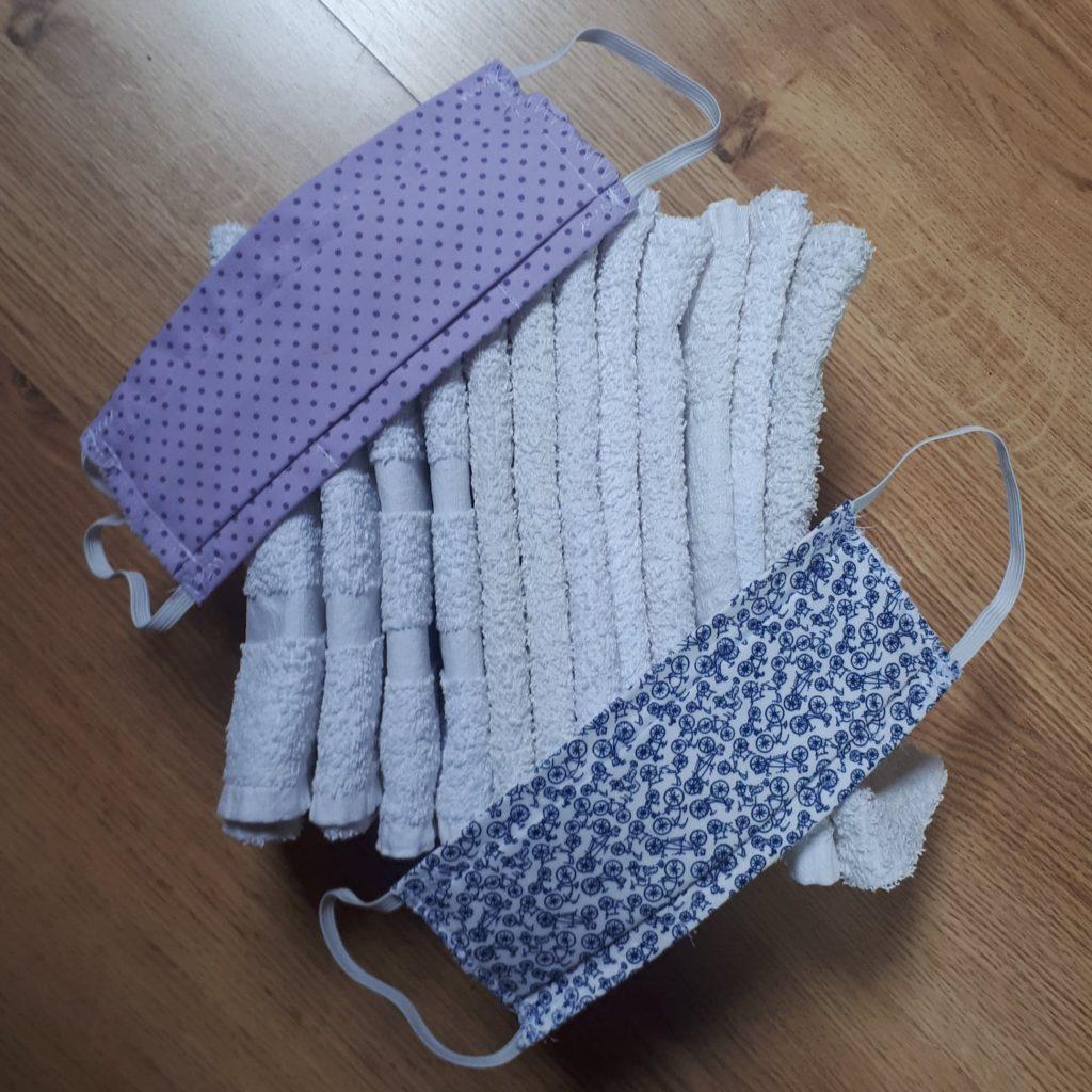 Pour la réouverture du cabinet, équipement de serviettes et masques